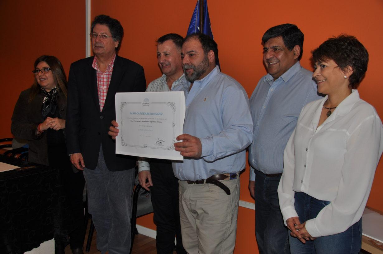"""Ivan Cardenas Borquez, reconocido con el siguiente texto: """"Diploma de Honor por sus destacadas actuaciones en las ediciones del Gran Premio de la Hermandad ARGENTINO-CHILENO""""."""
