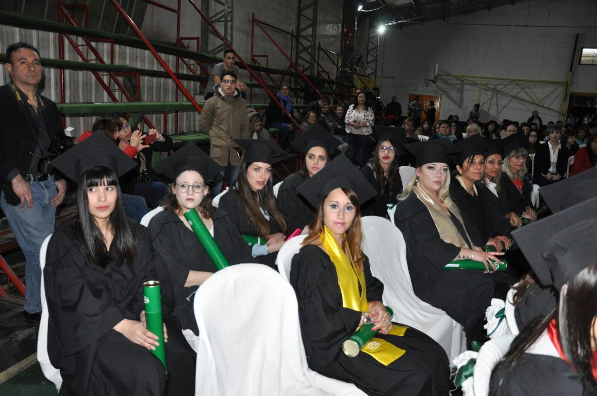 Imágenes de los flamantes graduados.