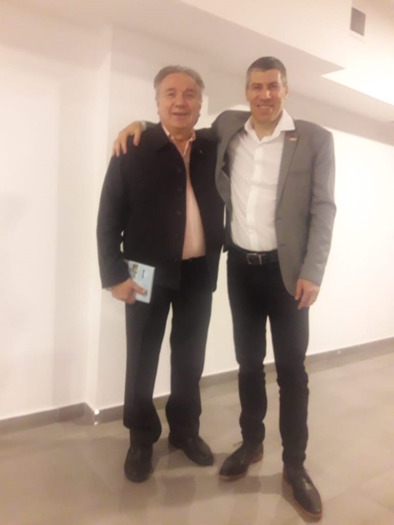 El Ing. Mario Ferreyra, secretario de Políticas Institucionales del Rectorado de la UTN, junto al escritor Alejandro Scomparin, director de Relaciones Institucionales de la UTN Buenos Aires.