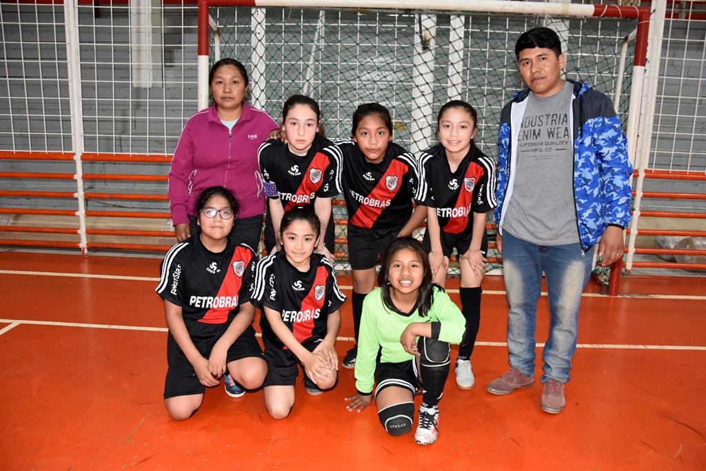 El equipo de Deportivo Libertad, categoría C-12.